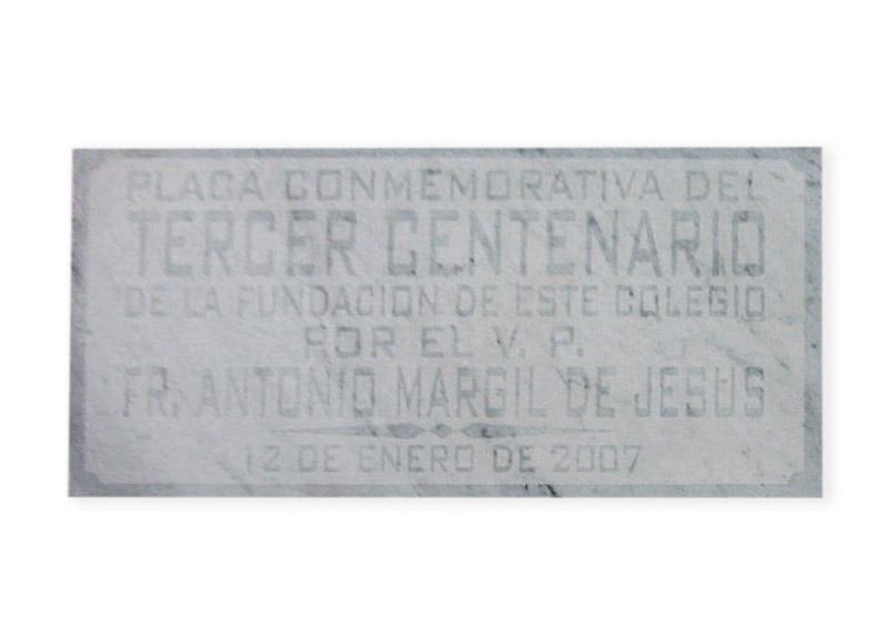 Placa conmemorativa en m rmol grabbia for Placas de marmol medidas